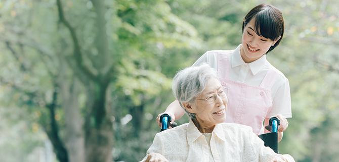 HISTORY 有料老人ホーム事業